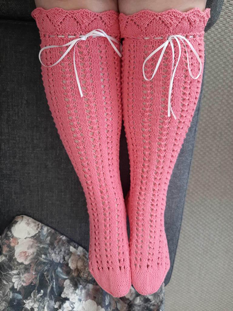 Puuvillaiset sukat kesäksi